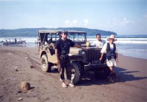 Menyelusuri pantai Pangandaran