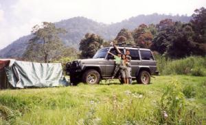 Berkemah di tepi Situ Lembang